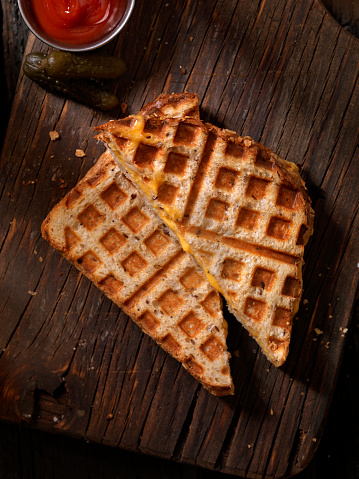 Toasted Food「Waffle Iron Grilled Cheese Sandwich」:スマホ壁紙(15)