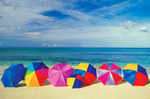 Sunshade「Seven umbrellas on the smooth sands of an empty beach in the Caribbean」:スマホ壁紙(11)