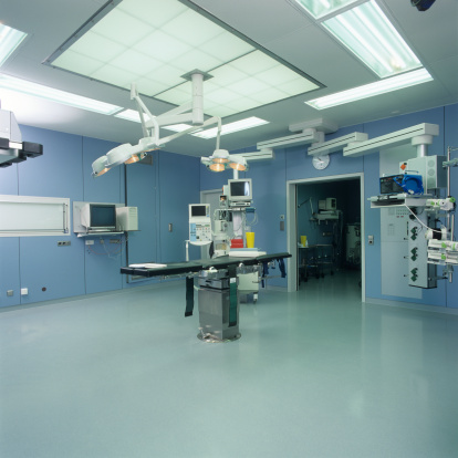 Gondola「病院使用ルームには、天井の電球」:スマホ壁紙(17)