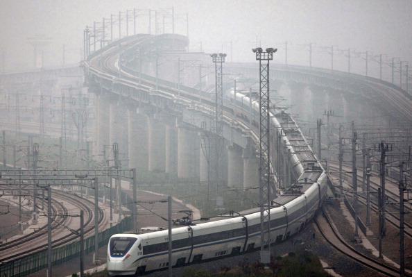 Construction Industry「Beijing-Shanghai High-speed Railway Begins Test Run」:写真・画像(2)[壁紙.com]