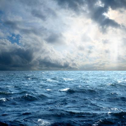 New Life「storm over sea」:スマホ壁紙(13)