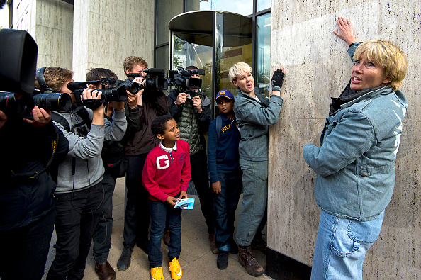 Animal Body Part「Emma Thompson Protests Against Shell's Arctic Oil Drilling」:写真・画像(1)[壁紙.com]