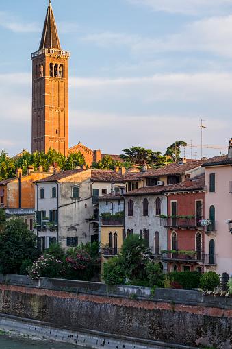 アディジェ川「Urban skyline of Verona」:スマホ壁紙(10)