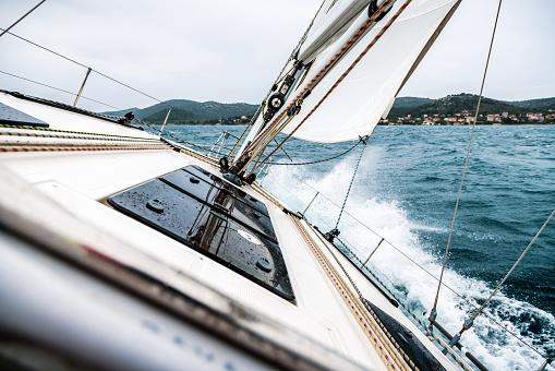 Cruise - Vacation「Sailing Boat Deck」:スマホ壁紙(0)