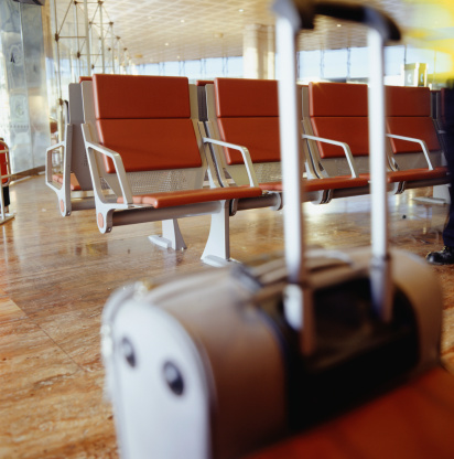 Focus On Background「Empty waiting room at airport」:スマホ壁紙(6)