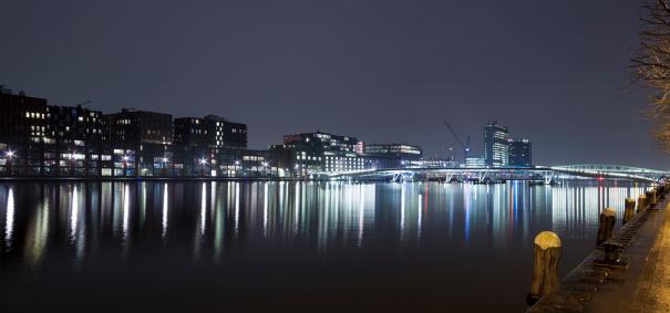 Boulevard「Amsterdam Java-eiland and Jan Schaeferbrug skyline at night, panorama」:スマホ壁紙(6)