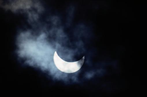 月「Eclipse」:スマホ壁紙(17)