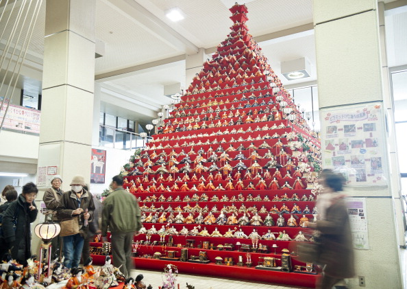 雛人形「Hina Dolls On Pyramid Display For Girls' Day」:写真・画像(12)[壁紙.com]