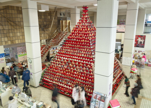 雛人形「Hina Dolls On Pyramid Display For Girls' Day」:写真・画像(13)[壁紙.com]