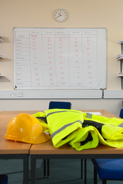 Whiteboard - Visual Aid「Timesheet schedule with health and safety gear」:写真・画像(6)[壁紙.com]
