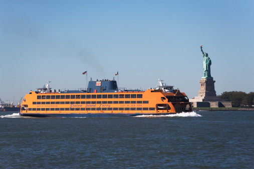 Cruise - Vacation「USA, New York City, Staten Island Ferry with Statue of Liberty」:スマホ壁紙(19)