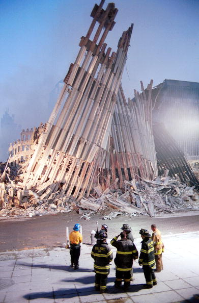 Natural Disaster「Ground Zero Two Days After World Trade Terror Attack」:写真・画像(19)[壁紙.com]
