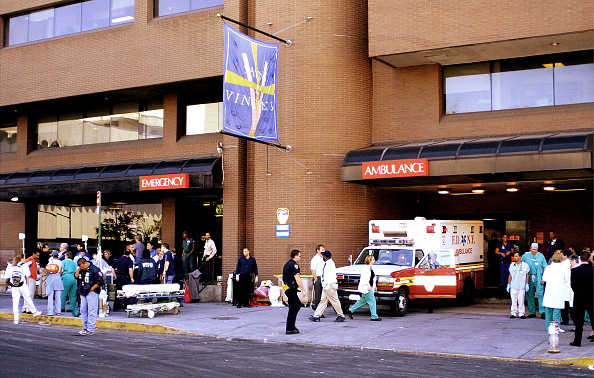 Emergency Services Occupation「Aftermath of World Trade Center Attack」:写真・画像(19)[壁紙.com]