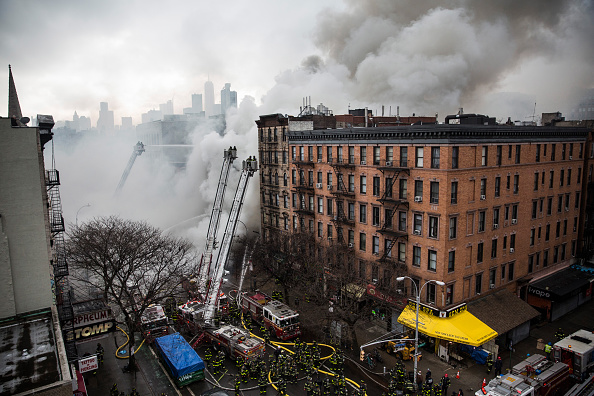 Exploding「Building Explosion In Manhattan's East Village」:写真・画像(15)[壁紙.com]