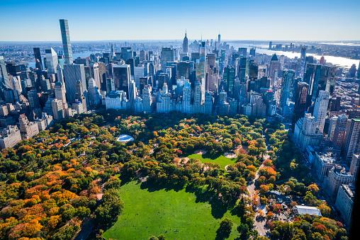 マンハッタン セントラルパーク「ニューヨークシティーの街並み、セントラルパーク、紅葉、空からの眺め」:スマホ壁紙(2)