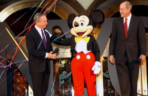 Mickey Mouse「The Grand Opening Of The World Of Disney Flagship Store」:写真・画像(6)[壁紙.com]