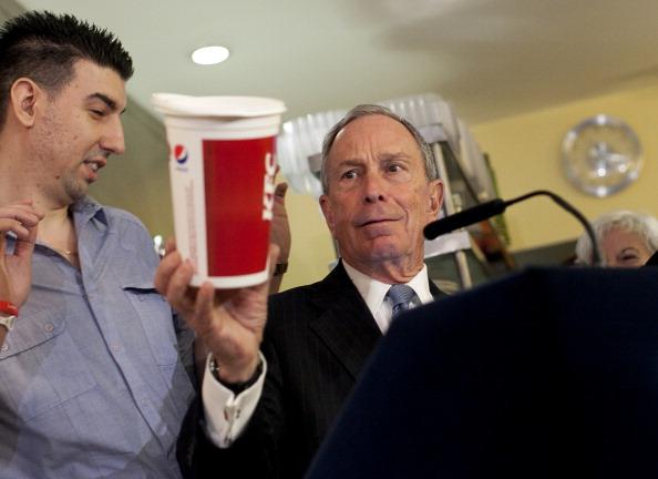 Sugar - Food「Mayor Bloomberg Visits Restaurant Voluntarily Enacting His Over Sized Sugary Drink Ban」:写真・画像(18)[壁紙.com]