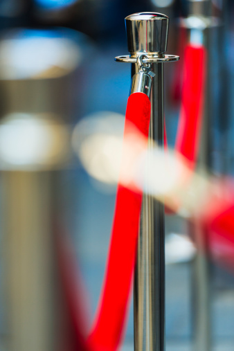 Focus On Background「USA, New York City, Red rope and stanchions」:スマホ壁紙(18)