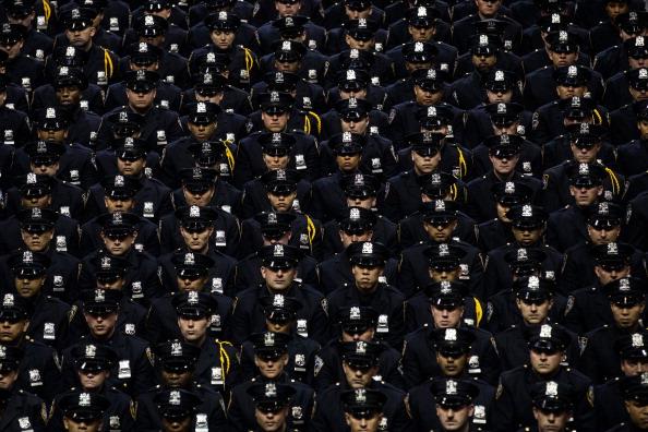 Cadet「NYPD Cadets Attend Their Graduation」:写真・画像(4)[壁紙.com]
