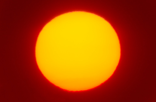 Large「USA, New York City, Close-up of large red sun」:スマホ壁紙(1)