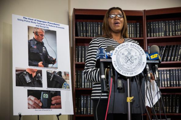 Wearable Camera「New York City Public Advocate Displays Police Wearable Cameras」:写真・画像(15)[壁紙.com]