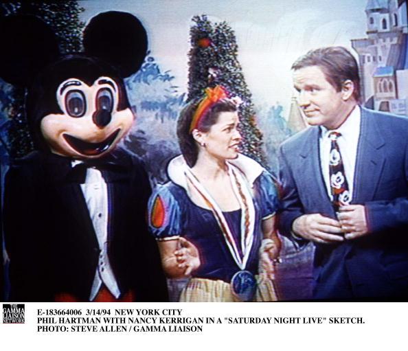 Nancy Kerrigan「Phil Hartman With Nancy Kerrigan In A Saturday Night Live Sketch」:写真・画像(16)[壁紙.com]