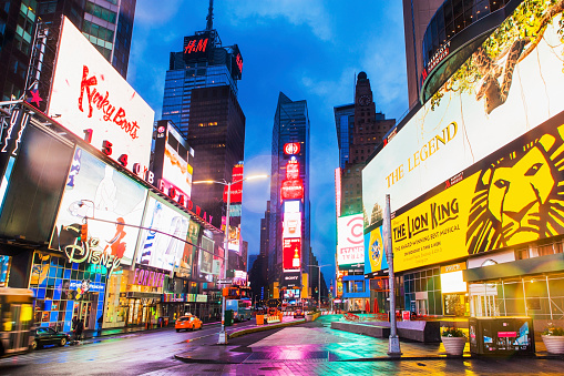 City Street「New York City, Times Square, Neon lights and ads of Times Square」:スマホ壁紙(3)