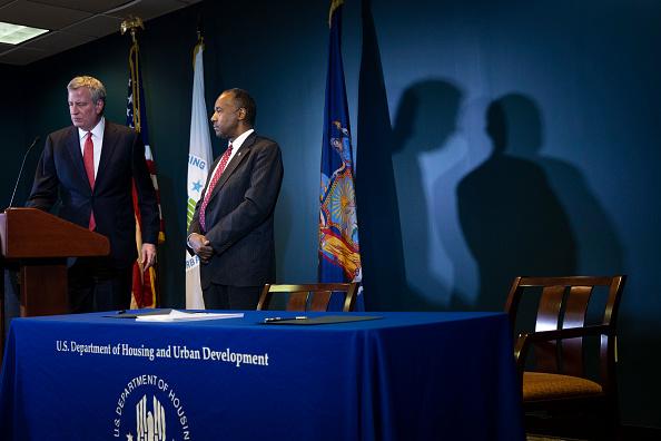 Drew Angerer「Secretary Of Housing And Urban Development Ben Carson Makes Announcement Regarding The New York City Housing Authority」:写真・画像(9)[壁紙.com]
