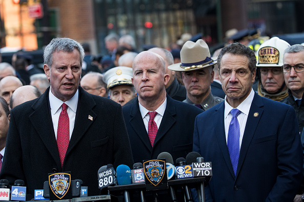 写真「Terror Suspect Prematurely Explodes Bomb At NY's Port Authority Bus Terminal」:写真・画像(7)[壁紙.com]