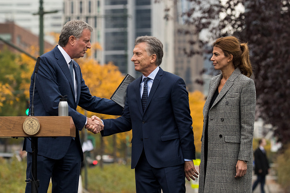Looking「Argentinian President Macri Attends Tribute To NYC Terror Attack Victims」:写真・画像(17)[壁紙.com]