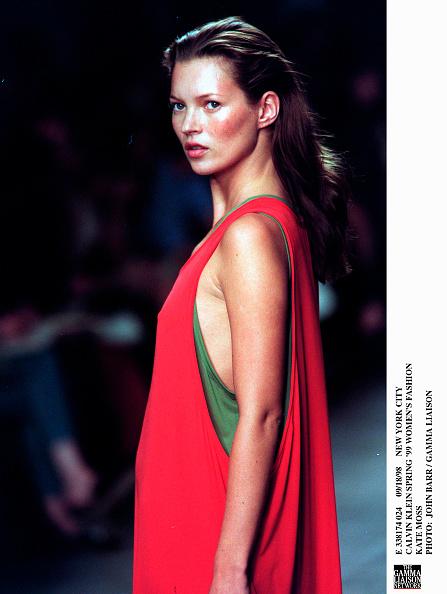 1990-1999「Calvin Klein Spring '99 Women's Fashion Kate Moss Photo: John Ba」:写真・画像(4)[壁紙.com]