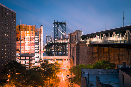 Lower East Side Manhattan「USA, New York City, Manhattan Bridge at night」:スマホ壁紙(17)