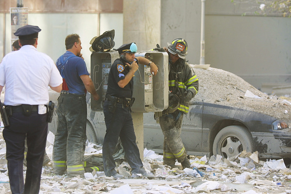 Emergency Services Occupation「New York City Rescue Effort at the World Trade Center」:写真・画像(17)[壁紙.com]