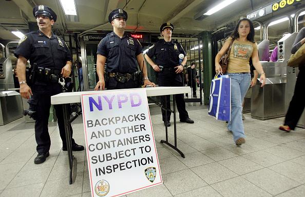 税関「NY Transit System Increases Security After 'Credible Threat' Of Terror」:写真・画像(12)[壁紙.com]