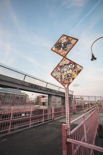 Railway「A New York City subway train passes at high speed, above ground.」:スマホ壁紙(2)