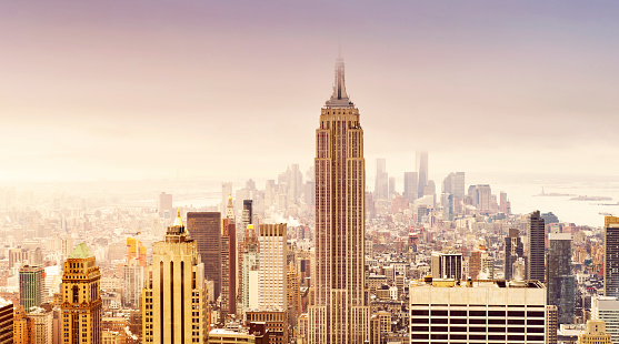 Empire State Building「New York City skyline in soft sepia colors」:スマホ壁紙(2)