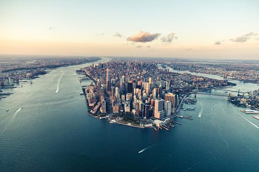Downtown District「New York, City of Dreams, at Dusk」:スマホ壁紙(12)
