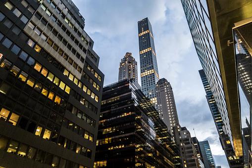 Skyscraper「USA, New York City, downtown skyscrapers」:スマホ壁紙(3)
