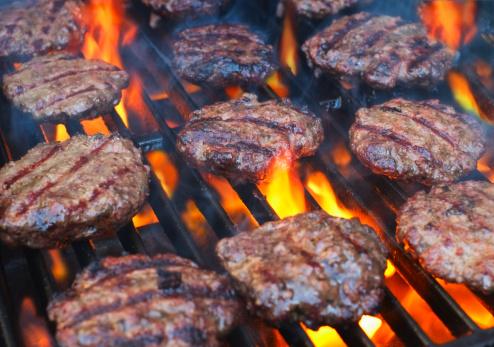 Barbecue Grill「USA, New York City, Hamburgers on bbq」:スマホ壁紙(9)