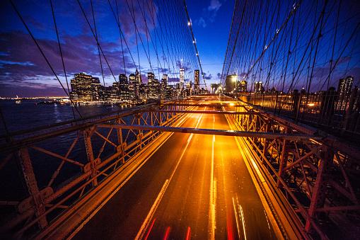 Car「ニューヨーク市ブルックリン橋の夜」:スマホ壁紙(19)