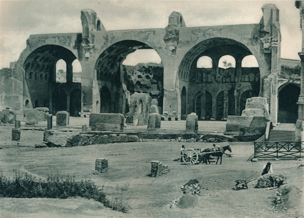 建築上の特徴 アーチ「Basilica of Maxentius and Constantine in the Forum Romanum, Rome, Italy」:写真・画像(19)[壁紙.com]