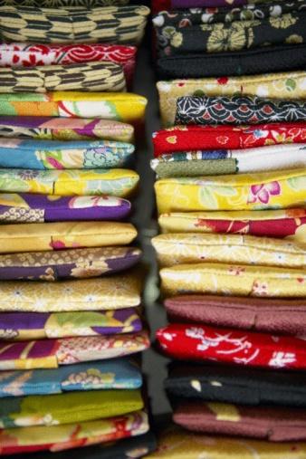 Zabuton「Stacks of pillows」:スマホ壁紙(7)
