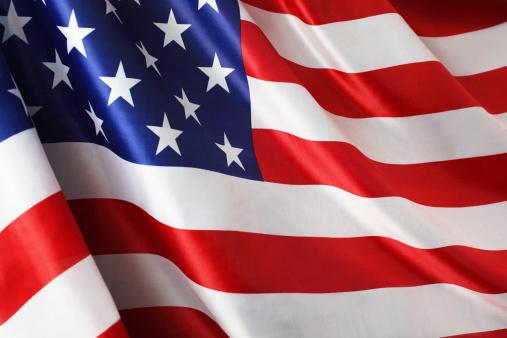 Patriotism「American Flag in the Wind」:スマホ壁紙(2)