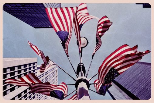 1960-1969「American Flags in New York - Vintage Postcard」:スマホ壁紙(13)
