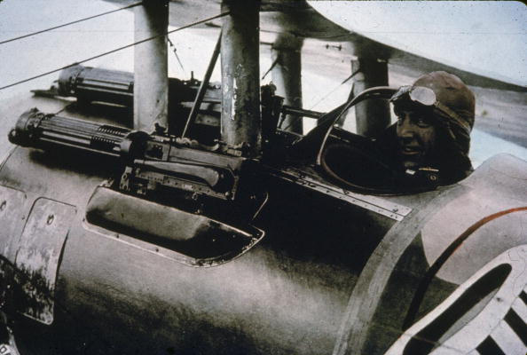 カラー画像「Eddie Rickenbacker In His Nieuport 28」:写真・画像(12)[壁紙.com]