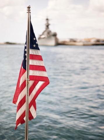 Mollusk「American flag and military ship」:スマホ壁紙(17)