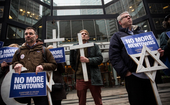 Wooden Post「Activists Call On Cerberus Capital Mgmt To Divest From Gun Manufacturer」:写真・画像(16)[壁紙.com]