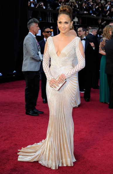 Train - Clothing Embellishment「84th Annual Academy Awards - Arrivals」:写真・画像(3)[壁紙.com]