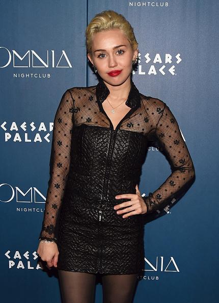 Three Quarter Length「Miley Cyrus Appearance At Omnia Nightclub At Caesars Palace」:写真・画像(16)[壁紙.com]