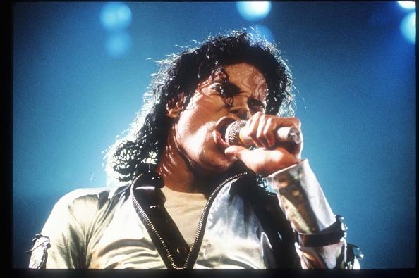 Silver Colored「Michael Jackson - In Concert」:写真・画像(2)[壁紙.com]